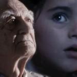【世界が涙した感動CM】少女が月を眺めると、なんとそこには一人寂しく老人が住んでいて・・・